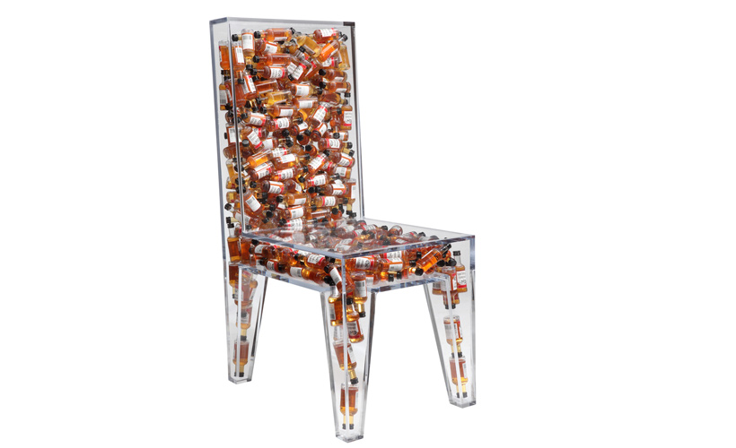 Chair Filled With 282 Bottles Of Southern Comfort Chugbuzz